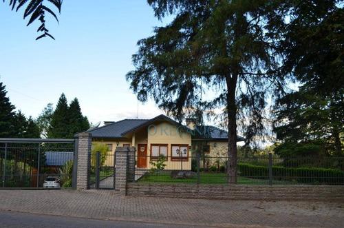 Casa Com 4 Dormitórios À Venda, 270 M² Por R$ 1.915.000,00 - Serra Grande - Gramado/rs - Ca0354