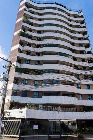 Apartamento No Condomínio Wembley Park,bairro: Jardins - Cp5458
