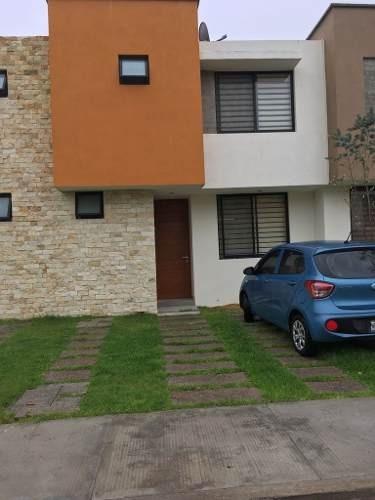 Vendo Casa Queretaro Fracc. Kalli Priv. Alberca Vigilancia