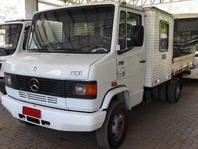 Mercedes 710 4x2 Ano 2009/2009 Com Cabine Suplementar