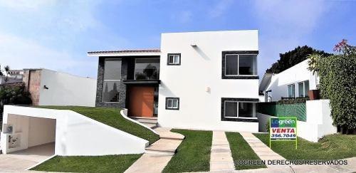 Casa Nueva Diseñada Con Funcionales Espacios Y Mucha Luz