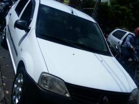 Renault Logan Familier 2010