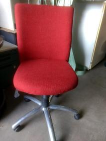 5 Cadeiras Vermelhas