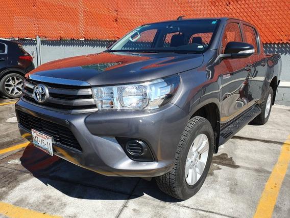 Toyota Hilux 2017 Sr Gris Gasolina Comonueva 3 Años Garantia