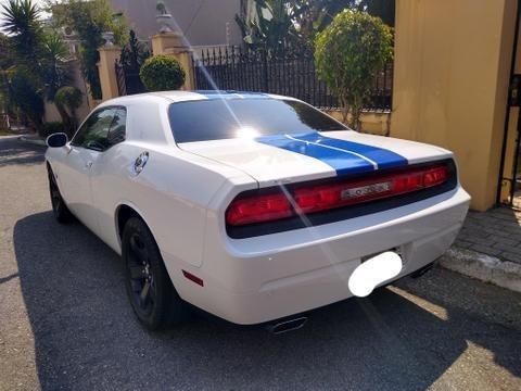 Dodge Challenger Maravilhoso - Barato