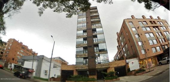 Apartamento En Venta Chico(bogota) Cod Ler:20-64