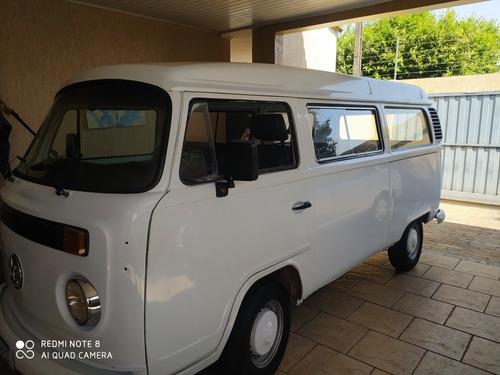 Imagem 1 de 8 de Volkswagen Kombi 2005 1.6 Lotação 3p Gasolina