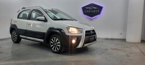 Toyota Etios Cross 1.5 2015 Carwestok