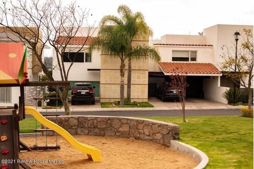 Imagen 1 de 14 de Casa Frente A Parque Infantil Lpd22-537