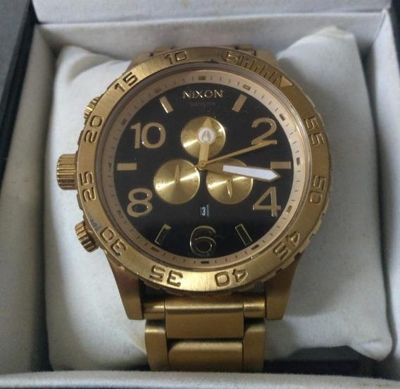 Relógio Nixon 51-30 Dourado Fundo Preto