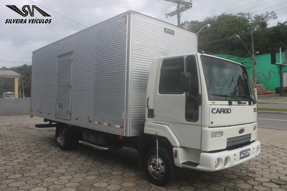 Ford Cargo 815 S - Ano: 2004 - Baú