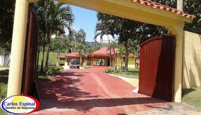 Casa De Campestre De Venta En República Dominicana Cc-032
