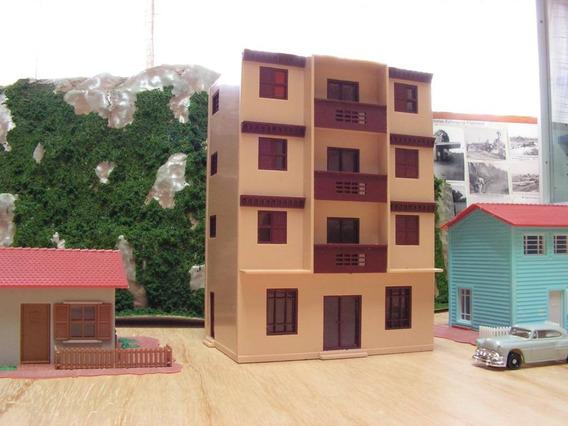 Prédio De Apartamentos Frateschi - Ho 1/87