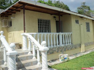Vendo Casa En El Centro De La Victoria 0412 1986188