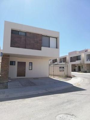 Casa En Condominio Acabados De Lujo Terreno Excededente