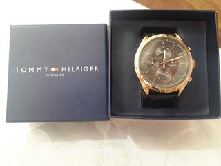 Reloj Tommy Malla Cuero Negro!