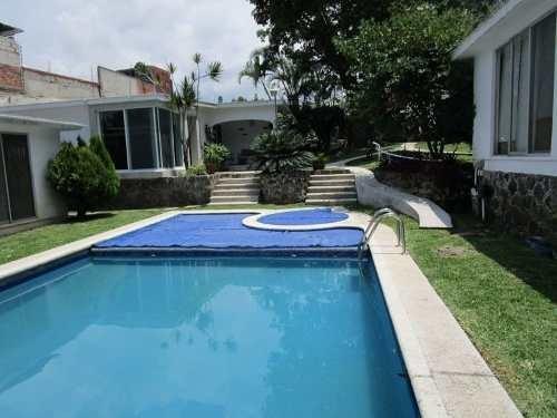 Casa En Condominio En Renta En Lomas Del Mirador Cuernavaca.