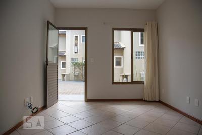 Casa Com 2 Dormitórios E 2 Garagens - Id: 892927656 - 227656