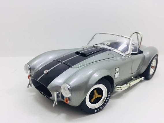 Miniatura Shelby Cobra 427 S/c Shelby Collectibles 1/18