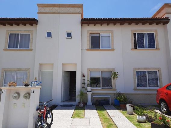Casa En Venta En Penuelas, Queretaro, Rah-mx-21-184