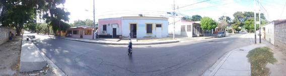Local Comercial En Casco Histórico De Los Robles