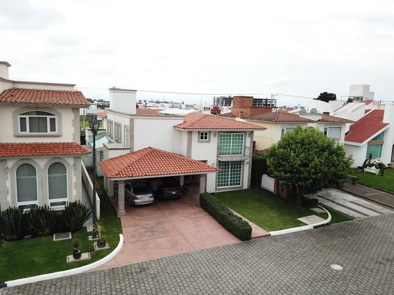 Increíble Casa De 5 Recamaras En La Mejor Zona De Metepec
