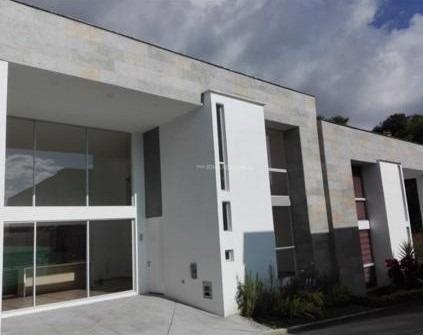 Arriendo Casa Moderna - Los Cedros