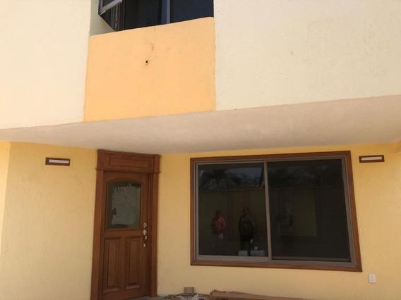 Oportunidad Casa Recién Remodelada