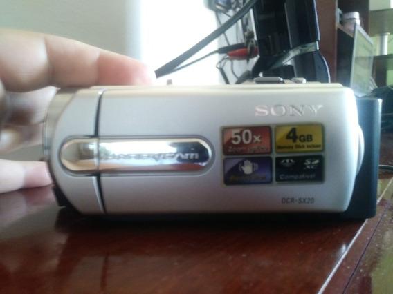 Filmadora Sony Handycam Dcr-sx20 (sd 4gb)zoom Óptico 50x\2.7