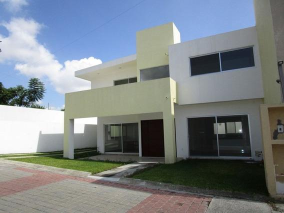 Casa Nueva En Fraccionamiento Privado En Jiutepec.