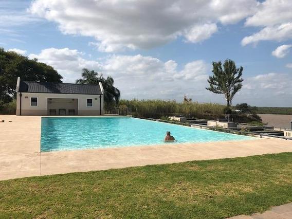 Importante Casa De 3 Dormitorios / Country La Bahía