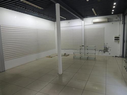Local Comercial Esquina A Metros De Arenal Grande. Martin García