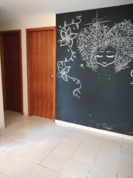 Apartamento 2 Dorm+ Sala + Cozinha + Banheiro + Lavanderia -