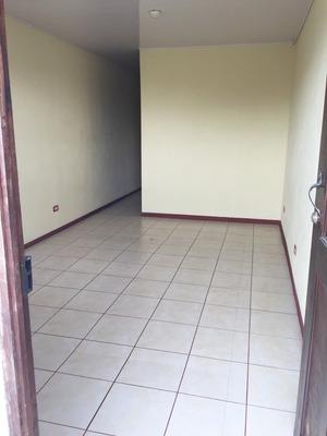 Apartamento De Dos Cuartos Y 1 Baño