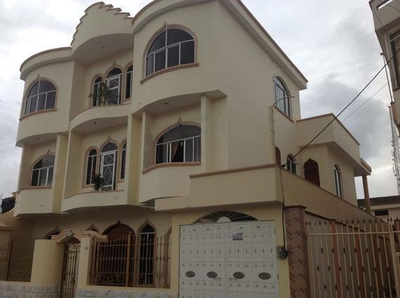 Vendo Una Casa Con Área Comercial En Urb. Banco Del Fomento