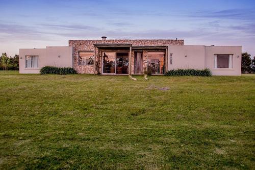 Imagen 1 de 25 de Casa En  Barrio Privado El Quijote - Punta Del Este