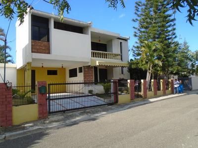 Rento Casa En El Embrujo 3ro. $18,000. Santiago