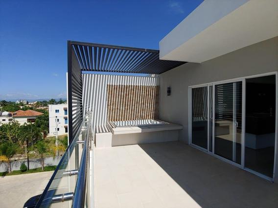 Moderno Penthouse En Urb. Caperuza Ii, Sfm.