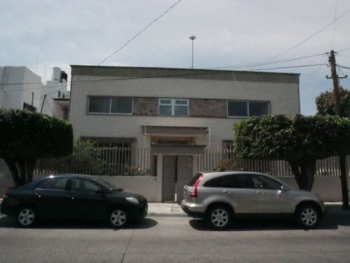 Casa En Venta Y Renta En Vallarta Poniente