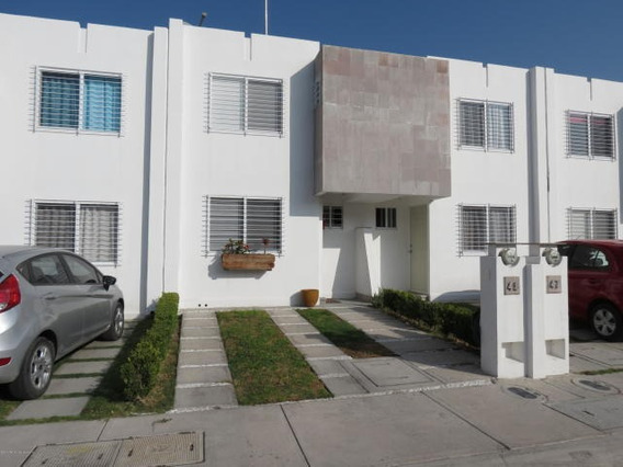 Casa En Venta En Viñedos # 20-144 Jl