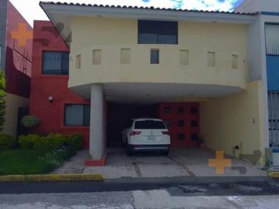Casa En Renta En Camino Real Cerca De Universidad Madero