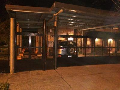Casa Amplia Y Super-funcional En Santa Fe, Frente A Aeropuer