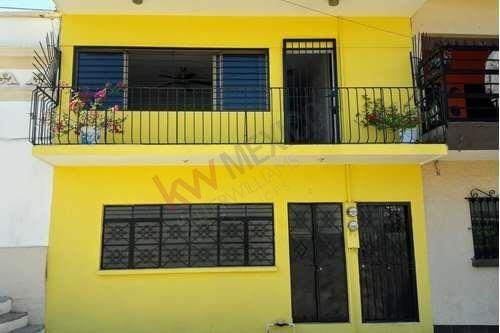 Casa Duplex En Venta En Colonia Centro De Mazatlan, Cerca De Parque, Escuelas, Centro Historico, Mercado Y Catedral