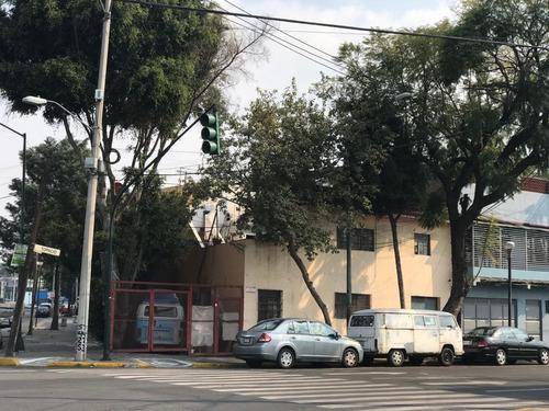 Imagen 1 de 8 de Casa En Esquina Col. Vista Alegre