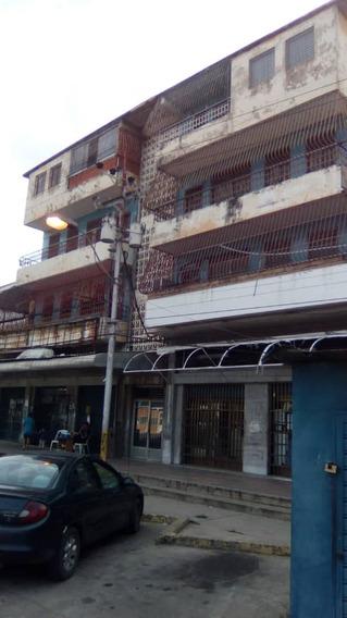 Alquilo Local Puerto La Cruz.
