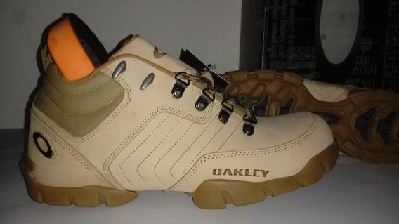 Botas Oakley Flank Low