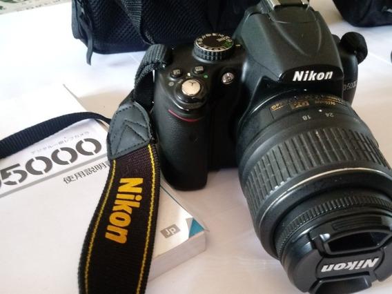 Câmera Fotográfica Profissional Nikon D5000 / Acessórios