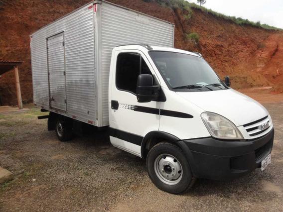 Caminhão Iveco Daily 45s14 Baú