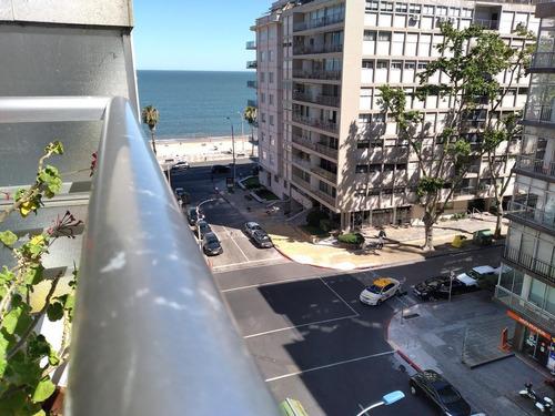 Apartamento - Pocitos- 1 Dormitorio - Próximo A Rambla - Terraza Con Vista Al Mar