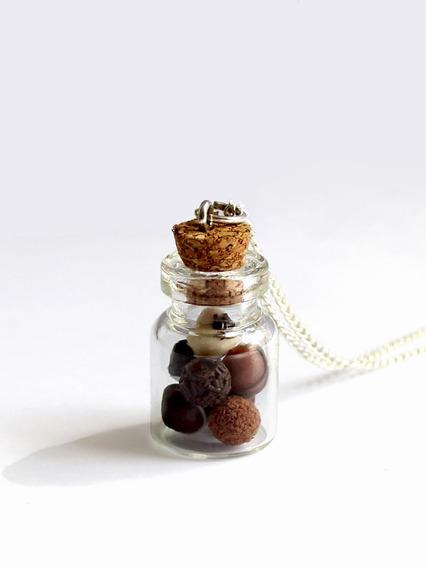 Collar Botellita Chocolates Miniatura